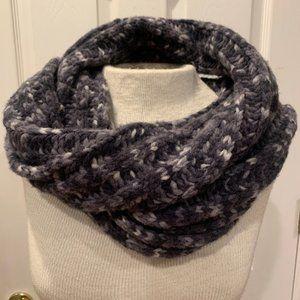 Banana Republic Dark Grey/Grey Wool Knit Scarf